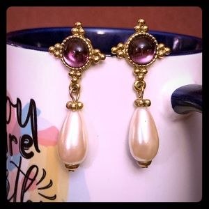 EUC purple, pearl & gold post earrings